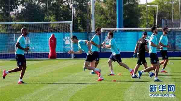 (体育)(2)足球——西班牙人队恢复小规模训练