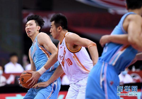 (体育)(4)篮球——CBA复赛第一阶段:八一南昌胜新疆伊力特