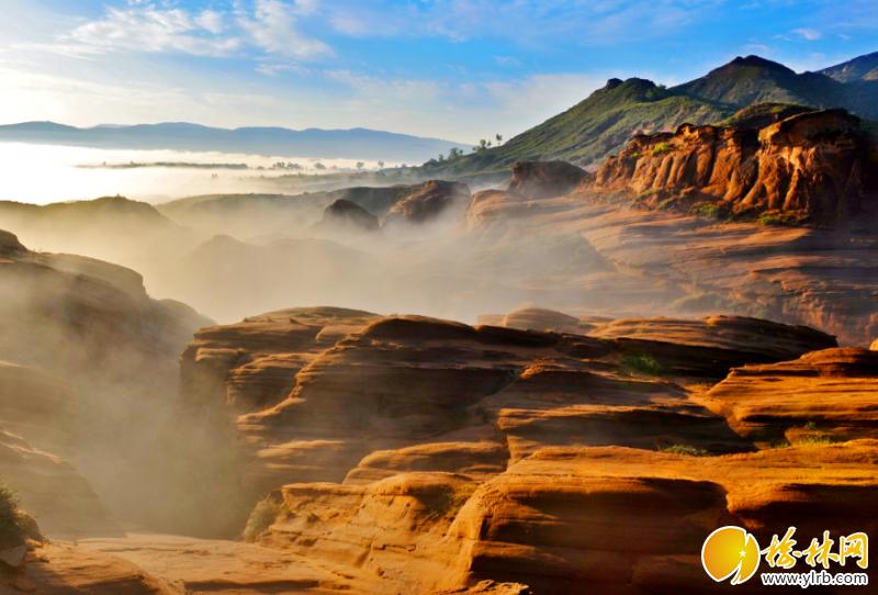 大自然的鬼斧神工成就了靖边的龙洲丹霞地貌