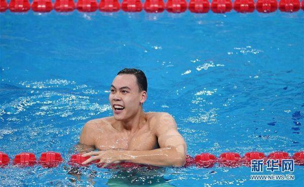 (體育)(1)游泳——全國冠軍賽:余賀新獲得男子100米自由泳預賽第一名