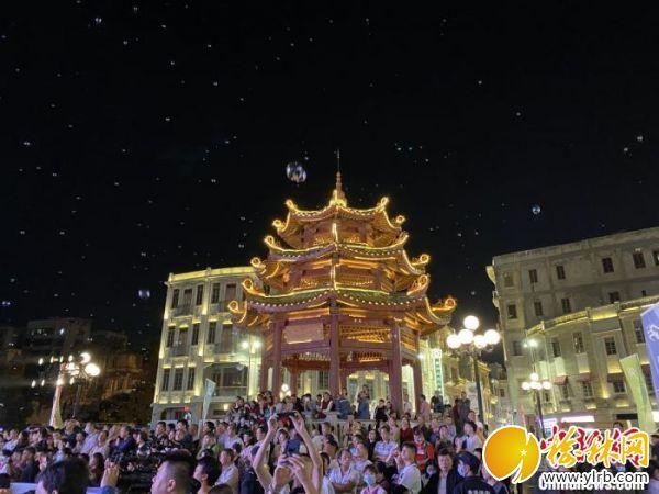 精彩演出吸引大量汕頭市民觀看。南粵古驛道定向賽組委會供圖
